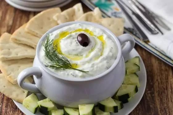 万能的希腊黄瓜酸奶酱、