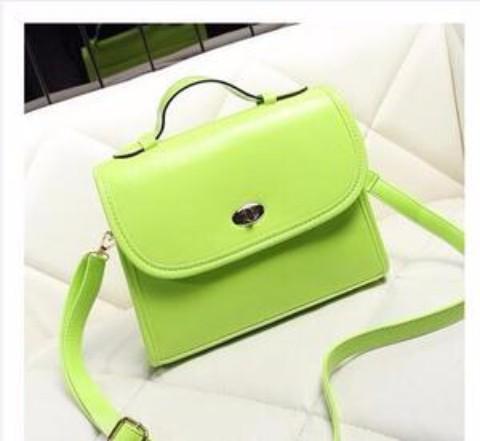 淡绿色小包
