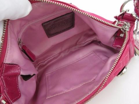 因本人不慎将装物品的粉红色六月玫瑰袋子丢失
