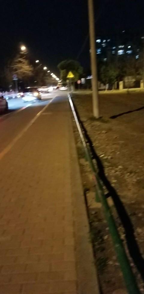 3月17日晚于九方城北侧昆北路不慎遗失钥匙一串。