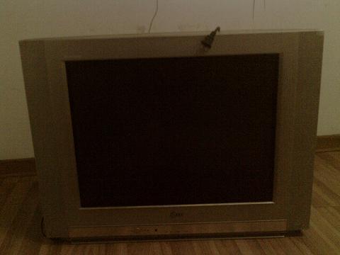 装修房子急转6成新春兰1匹空调 29寸lg纯平彩电 每台400元