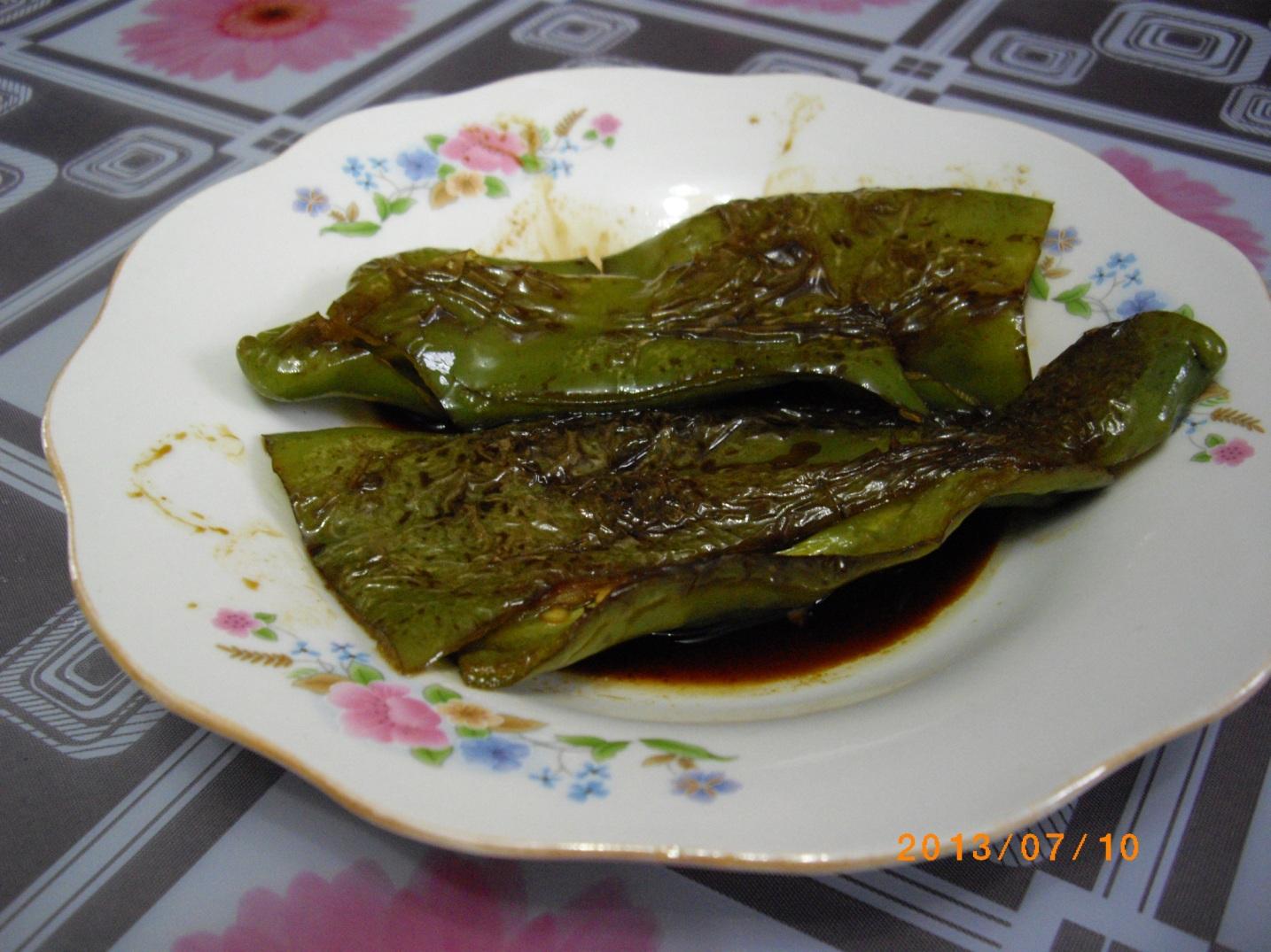 母女俩的简单晚餐之 丝瓜虾仁文蛤米粉汤 虎皮青椒