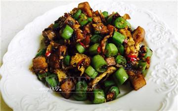 下饭菜———橄榄菜炒四季豆。