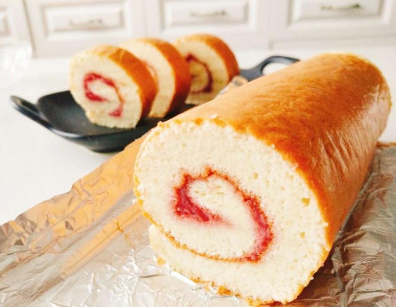 早安!草莓味蛋糕卷