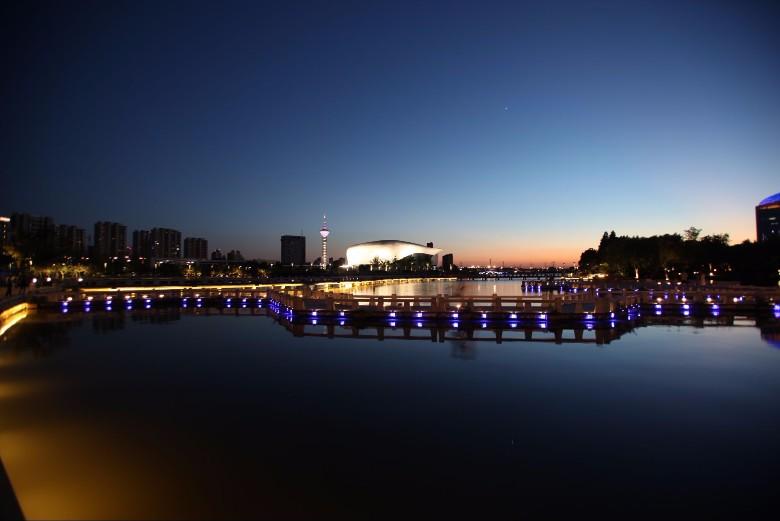 天境湖夜景