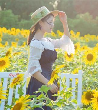 微笑拥抱每一天,做像向日葵般温暖的女子