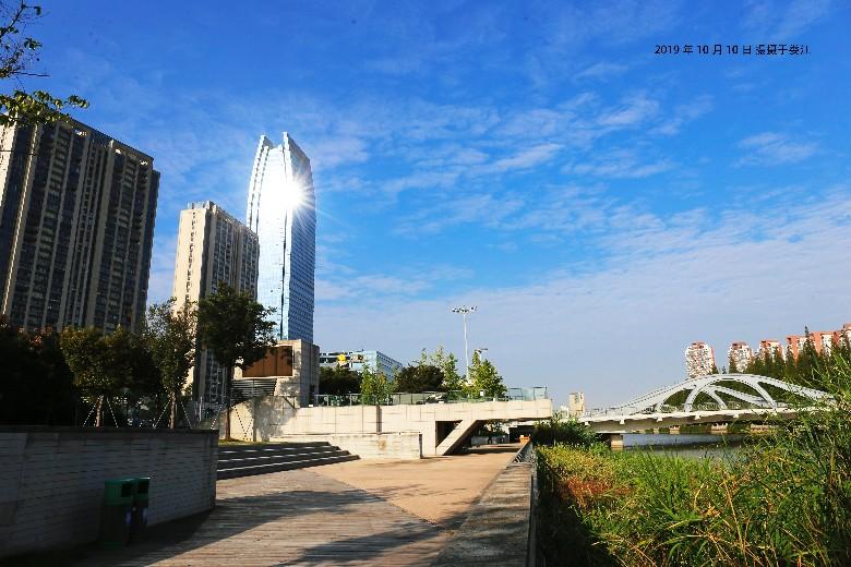 2019年10月10日摄于娄江