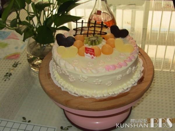 幼儿园校车蛋糕图片
