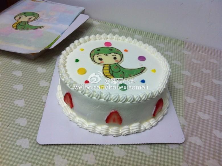 两个宝宝的小蛇蛇蛋糕|美食天地